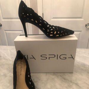 Via spiga black suede heels